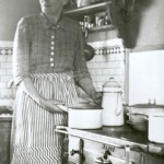 Hilda i kaffestugans kök